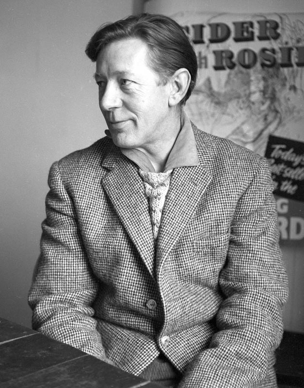 Laurie Lee 1959 © Sandra Lousada Mary Evans Picture Library